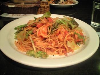 ピリ辛と激辛の間の中華タコス風スパゲティ800円